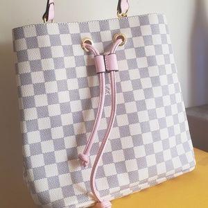 Louie Vuitton  NeoNoe monogram pink